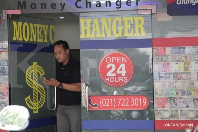 Penguatan dollar AS tak pengaruhi transaksi money changer