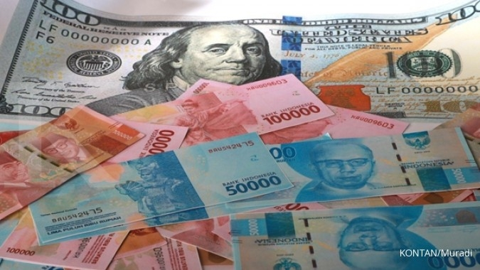 Uncertainty about the US mid-term election pushed rupiah to Rp 14,768