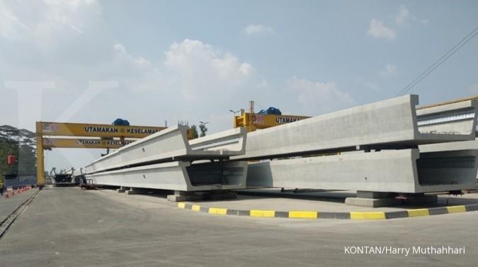 Pabrik Adhi Karya yang berada di Sentul mampu produksi 120 u-shape girder per bulan