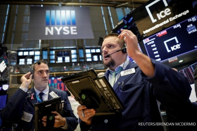 Dow Jones rontok tertekan eskalasi perang dagang AS-China