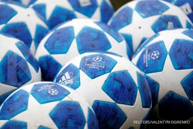 Jadwal bola Liga Champions malam hari ini, sajikan big match Juventus vs Barcelona. REUTERS/Valentyn Ogirenko
