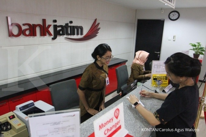 Kredit produktif bank menengah tumbuh mekar