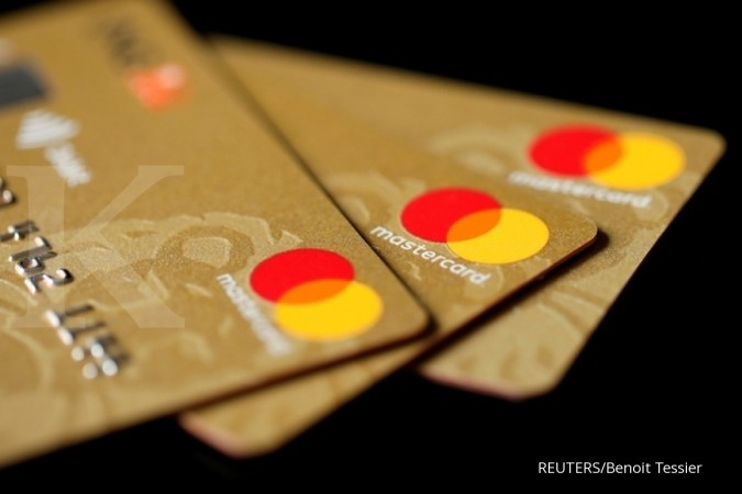 Mastercard will not send staff back to offices without coronavirus vaccine -exec