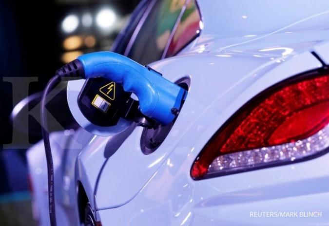 ILUSTRASI. Pengisian daya kendaraan listrik