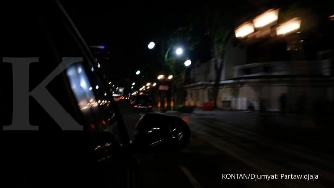 Surabaya di waktu malam. Jelajah Ekonomi Kontan tol trans-Jawa
