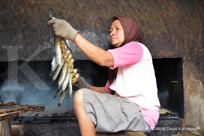 Pertambakan, tambak ikan, sentra usaha ikan mujair asap di Sidoarjo