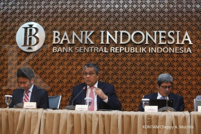 Indonesia central bank holds rates; seeks to lift liquidity, domestic NDF market
