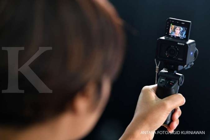 Sony Memperkenalkan GP-VPT2BT Wireless Shooting Grip