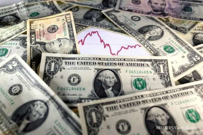 FOREX-Dollar steady as market braces for U.S. jobs report