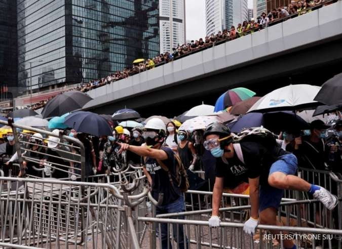 Hong Kong authorities were shutting government offices