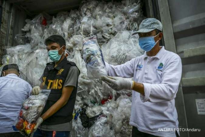 Indonesia sends more toxic waste, trash back to US, Europe, Australia