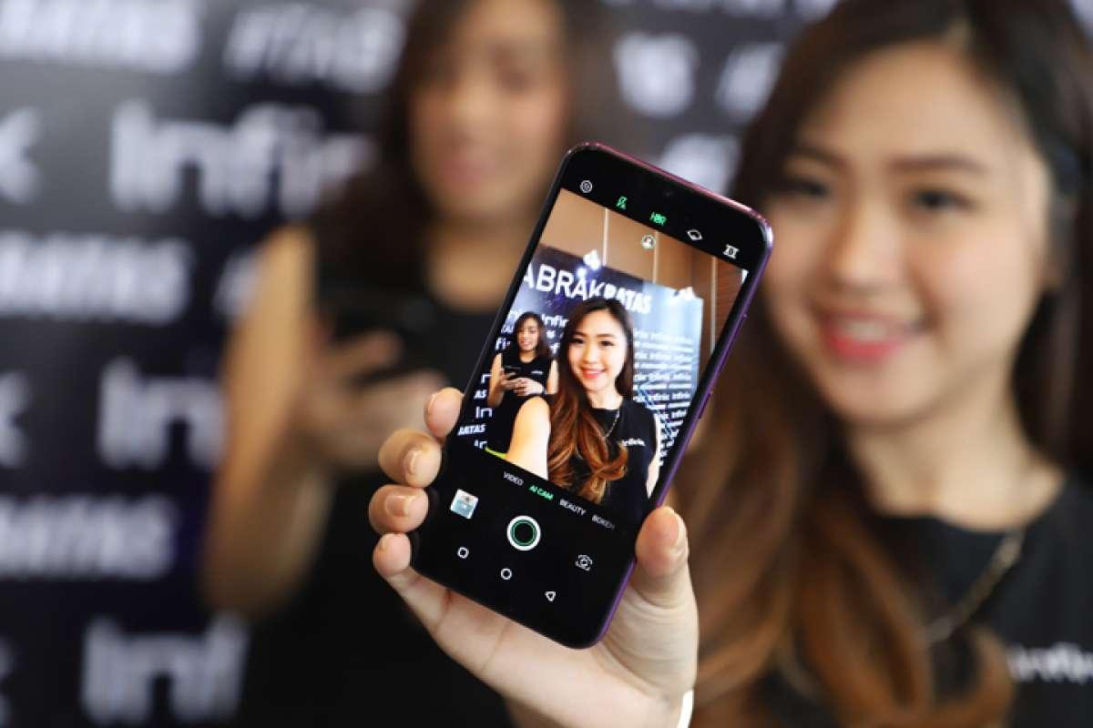 Peluncuran ponsel Infinix S4