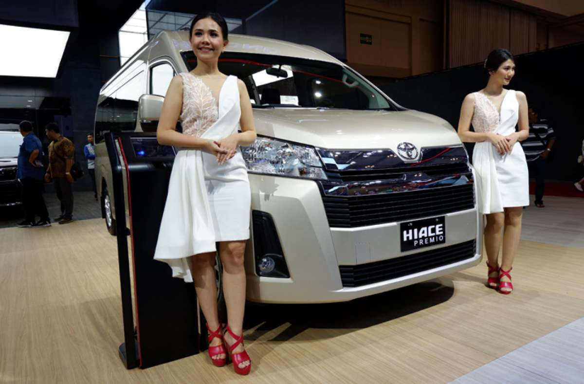 Toyota All New HiAce Premio