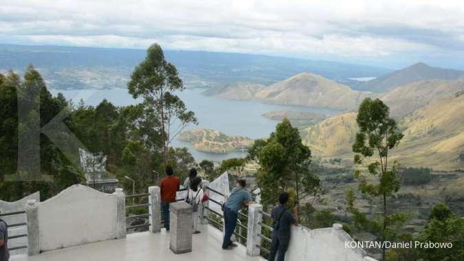 Menara Pandang Tele, salah satu spot terbaik menikmati eksotisme Danau Toba