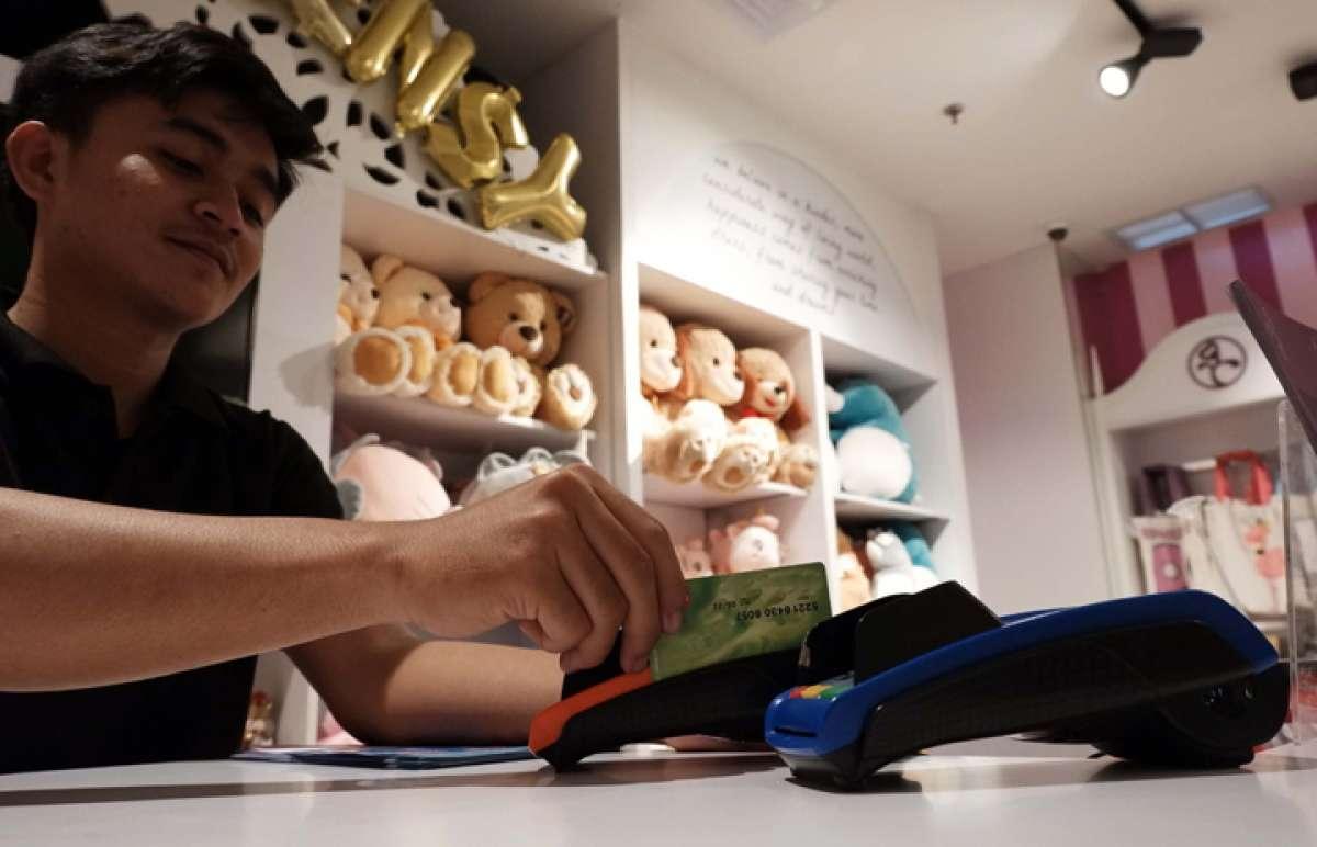 Kenaikan transaksi kartu debit