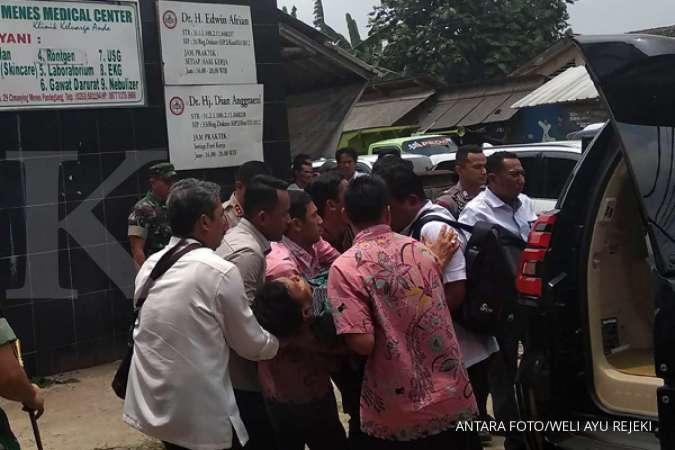 Kapolsek Menes yang ditusuk bersama Wiranto luka di punggung dan dada atas