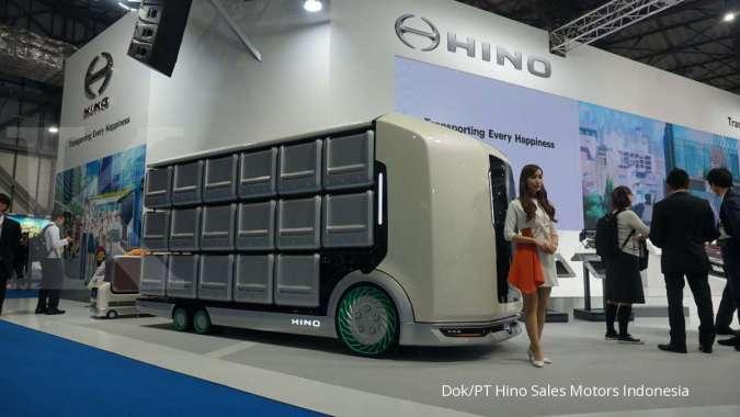 Hino Flatformer Kendaraan Konsep untuk Mendukung Mobilitas