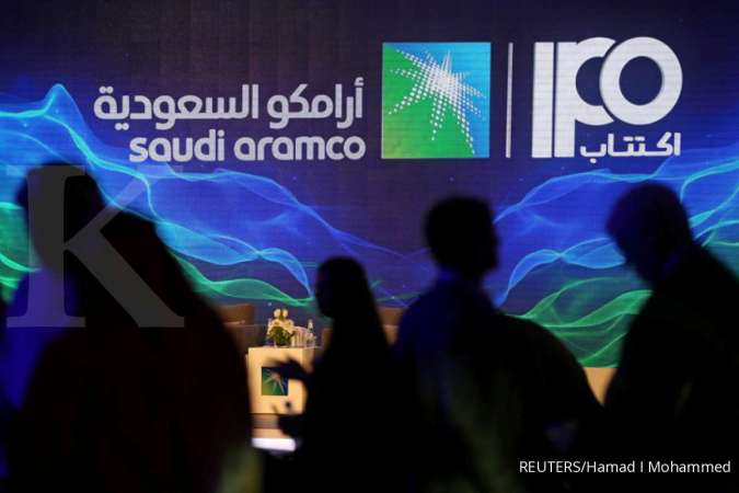 Aramco share sale curb rules out overseas listing for at least a year