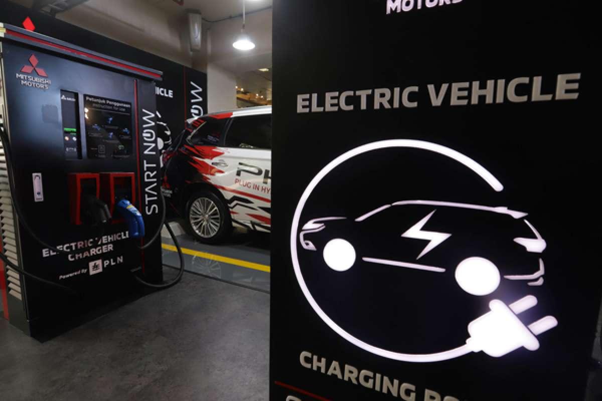 Fasilitas pengisi daya baterai mobil listrik