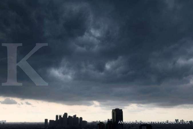 Hujan berpotensi guyur Jakarta siang ini, BMKG: Waspada petir dan angin kencang
