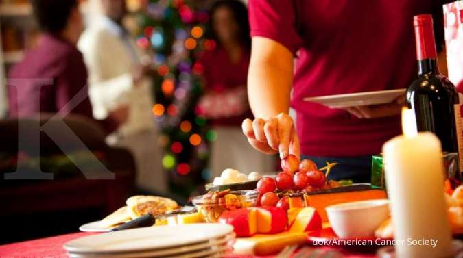 Tamu Pesta Bahagia,  Pengusaha Katering Turut Gembira