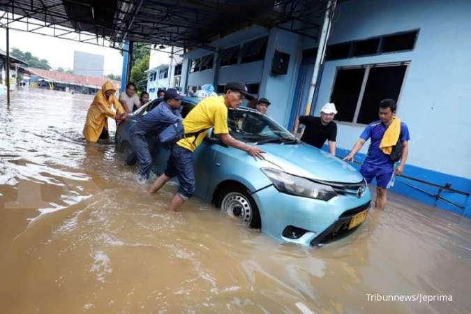 Pool taksi terendam banjir, Blue Bird (BIRD) pastikan layanan berjalan normal