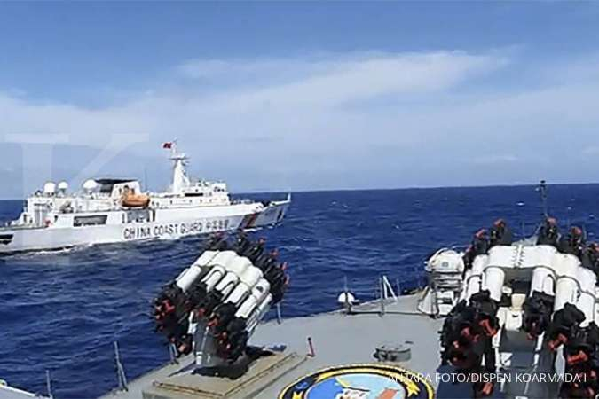 Indonesia boosts patrols after Chinese boat trespasses in its waters