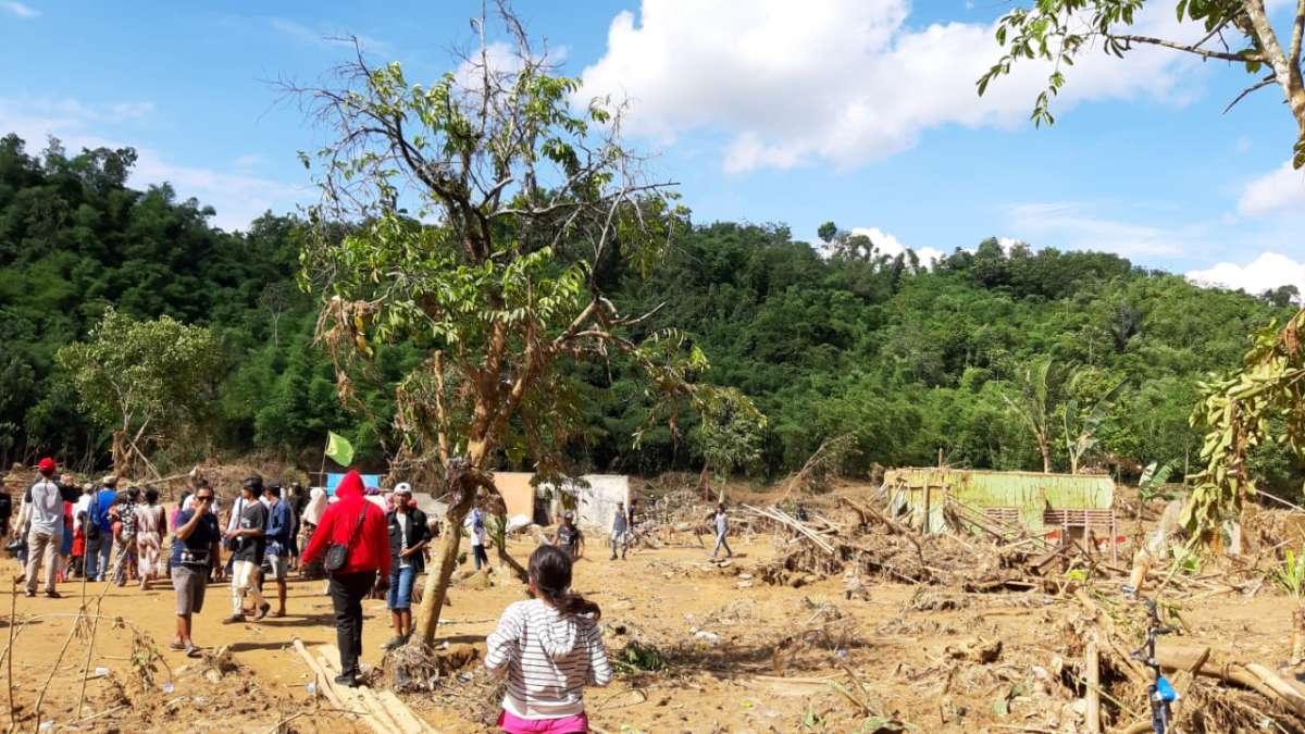 Yayasan Wings Peduli Kasih Ringankan Beban Korban Banjir Lebak dan Bogor