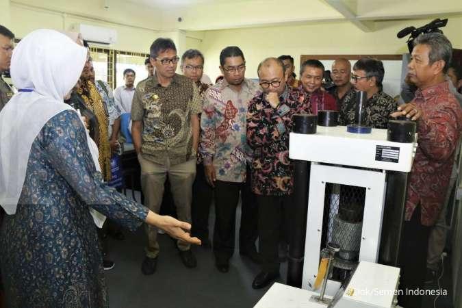 Semen Indonesia Revitalisasi Laboratorium Teknik Sipil Universitas Bung Hatta Sumatera Barat
