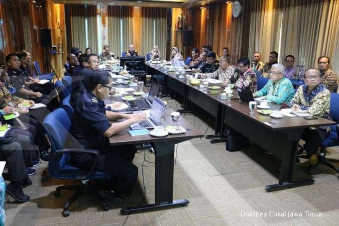 Bea Cukai dan Ditjen Pajak Jawa Timur lanjutkan joint program