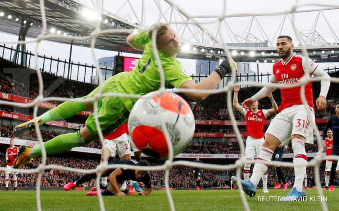 Soccer Football - Premier League - Arsenal v Everton - Emirates Stadium, London, Britain - February 23, 2020 Everton's Dominic Calvert-Lewin scores their first goal REUTERS/David Klein EDITORIAL USE ONLY. No use with unauthorized audio, video, data, fixtu