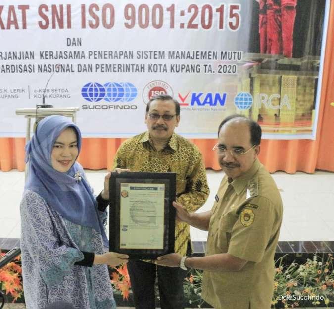Sucofindo Serahkan Sertifikat SNI ISO ISO 9001:2015 kepada Pemerintah Kota Kupang