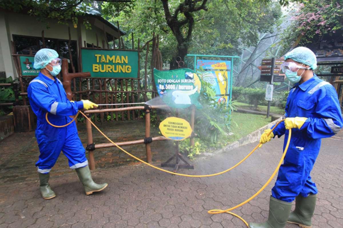 Penyemprotan disinfektan Taman Mini Indonesia Indah