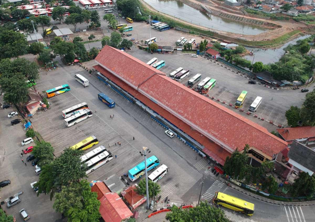 Pro kontra pembatasan angkutan umum