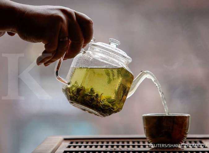 Manfaat teh hijau berguna untuk meningkatkan fungsi otak.