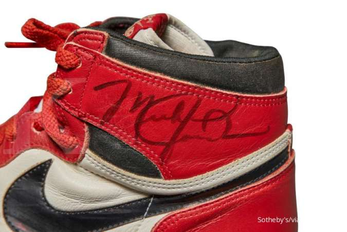 Lelang sepatu Nike Air Jordan