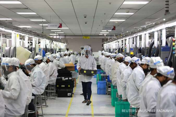 India's July retail inflation dims chances of rate cut