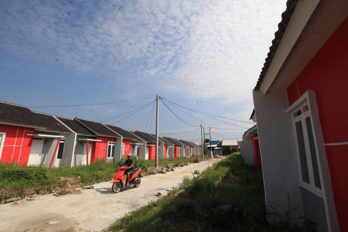 Program padat karya tunai di sektor perumahan