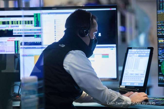 US STOCKS-Wall Street closes higher on signs of economic recovery