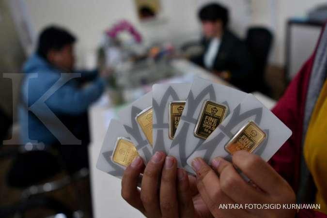 Harga emas 24 karat Antam hari ini turun Rp 1.000