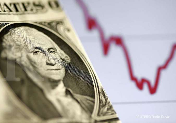 Dollar Bides Time Ahead of U.S. Manufacturing, Jobs Data