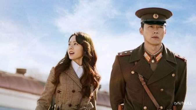 Son Ye Jin dan Hyun Bin di drama Korea Crash Landing On You.