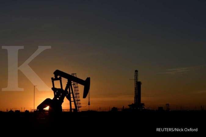 Harga minyak mentah koreksi 0,8% setelah persediaan minyak AS membengkak