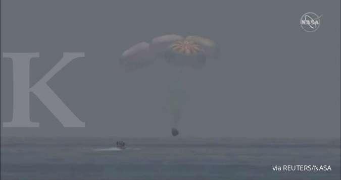 Kapsul SpaceX berhasil kembali ke bumi membawa pul