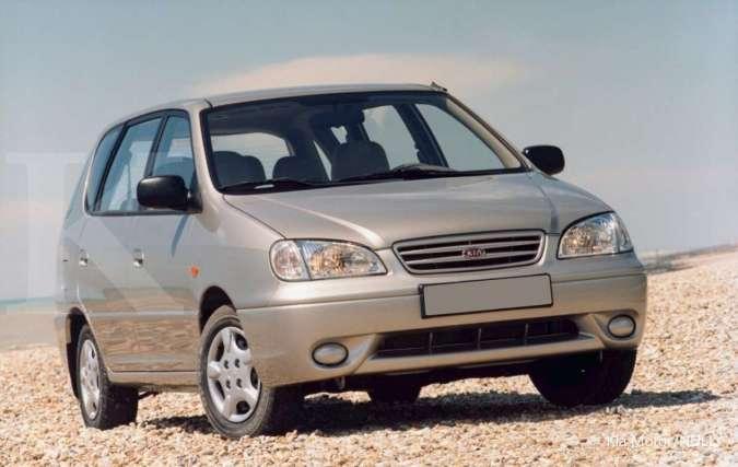 Harga mobil bekas Kia Carens