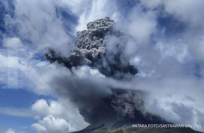 Gunung Sinabung Kembali Erupsi Apa Penyebab Gunung Berapi Meletus