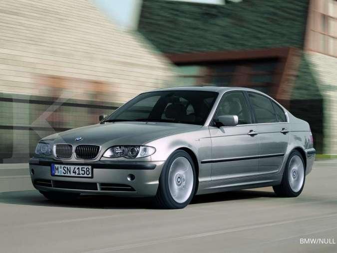 Harga mobil bekas BMW E46