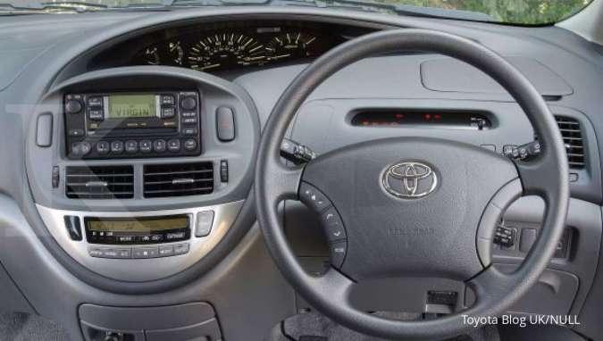 Harga mobil bekas Toyota Previa 2001 per September 2020 (Interior Toyota Previa)