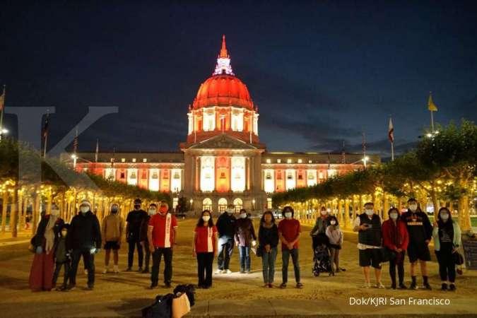 Diaspora Indonesia di depan Gedung Balai Kota San Francisco