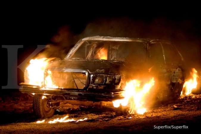 Belajar dari kejadian mobil mewah terbakar, begini tips dan cara untuk mencegahnya